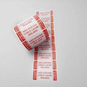 Etiquetas Lacre de Segurança Padrão em Bobina Adesivo em couché brilho 80g 34x90 mm Impressão em vermelho Sem cobertura Bobina com 1.000 etiquetas Fundo Branco